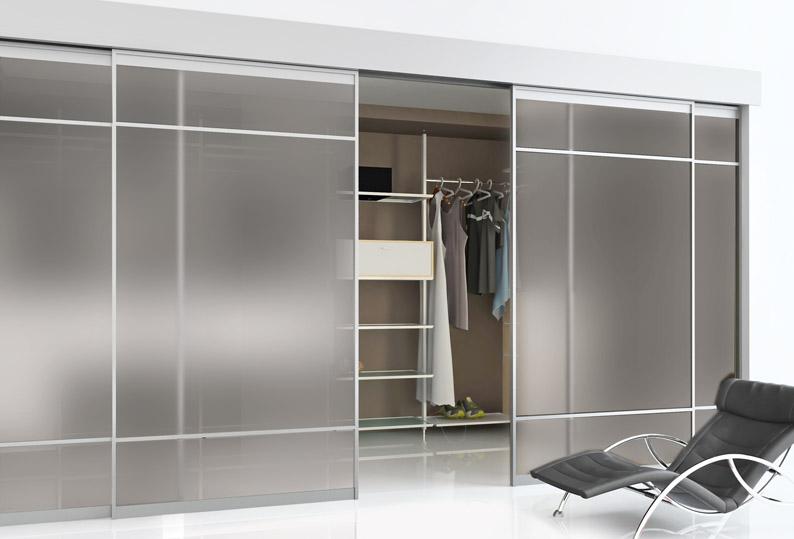 Home Closet Image - Koumanis